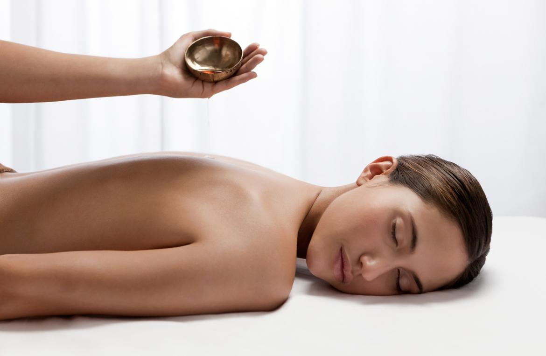 massage abhyangam fr gr